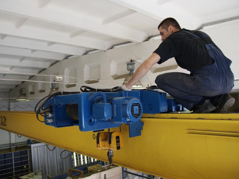 obsluj kranov - Особенности технического обслуживания кранов