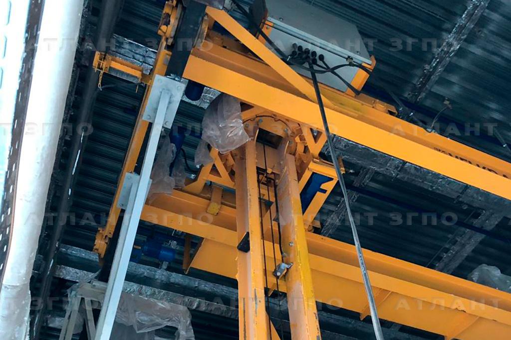 Кран мостовой специальный для стелажей (кран-штабелер)